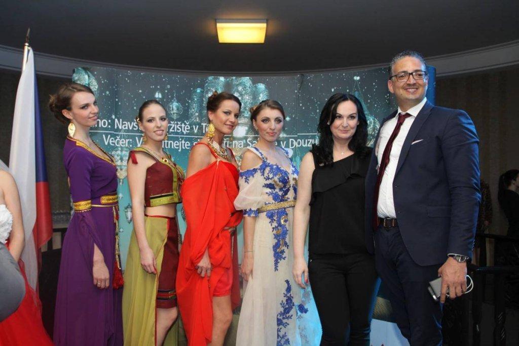 Tuniský večer - velvyslanec Tuniské repunliky pan Selim Hammami s modelkami