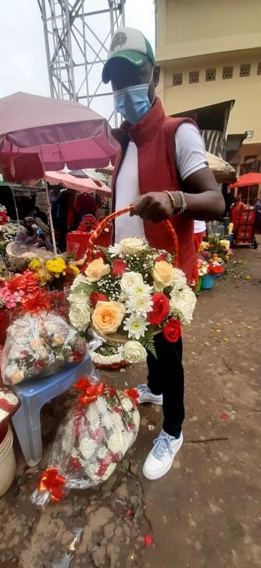 Prodejce-růž_City Market Nairobi