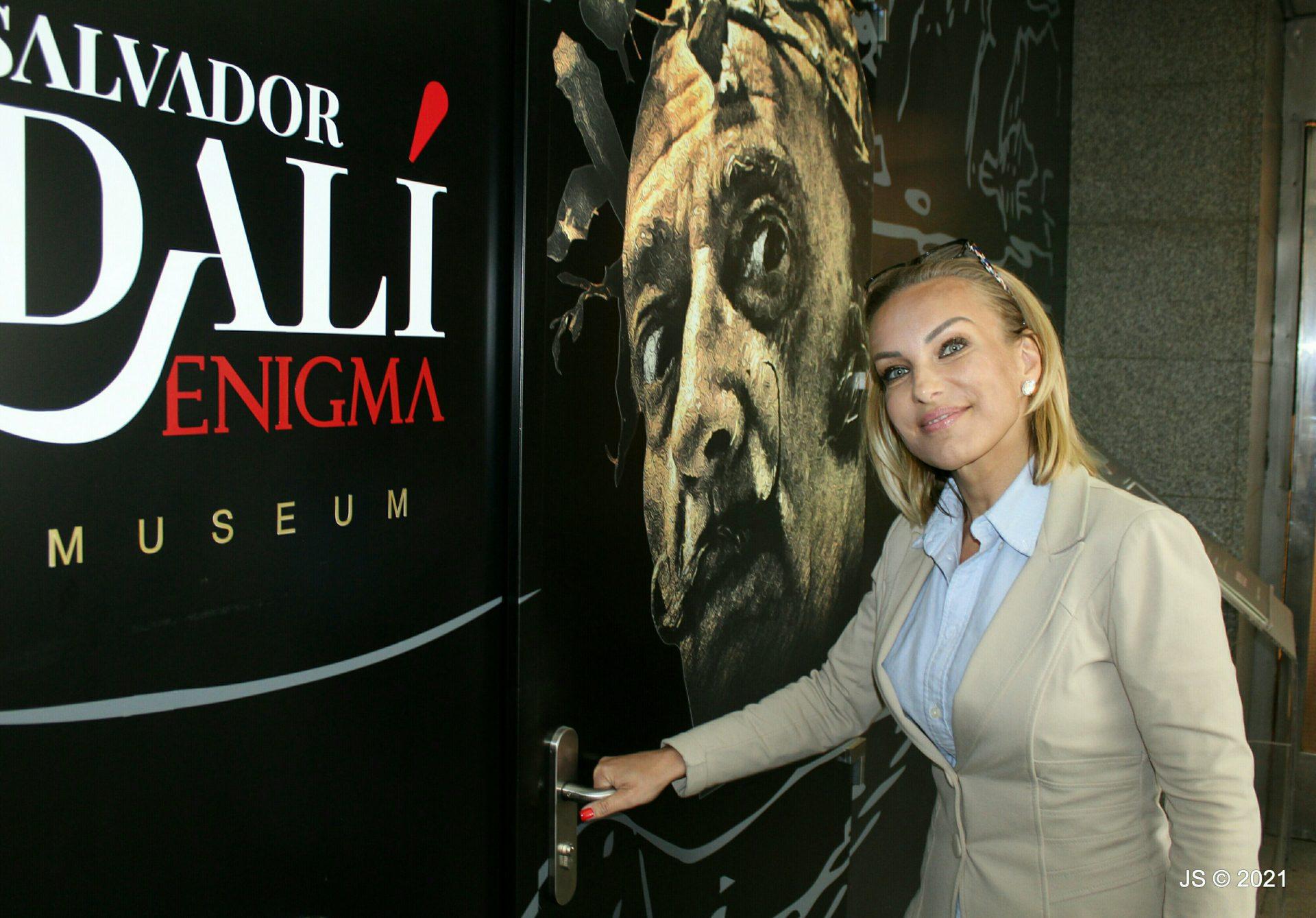 kuratorka vystavy Salvator Dalí