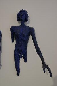 O.Zoubek,Vycházející,1975,polychromovaný cement