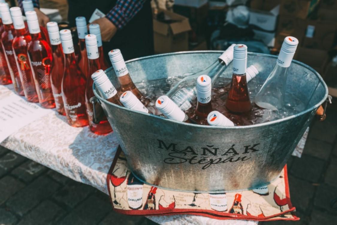 ruzove vino