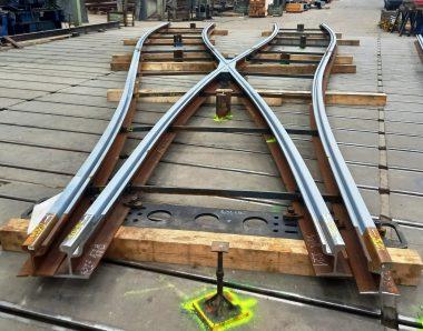 kolejových konstrukcích z Pražské strojírny