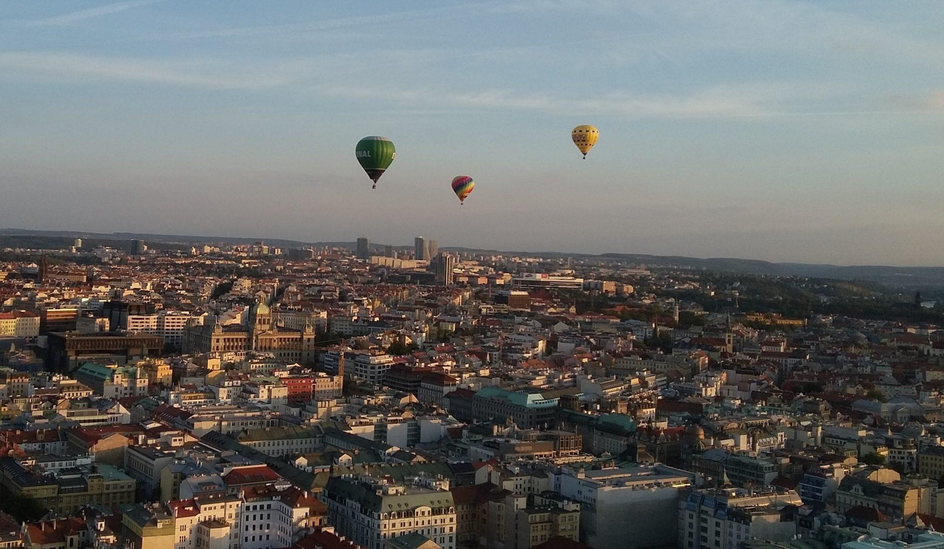 balony nad Prahou